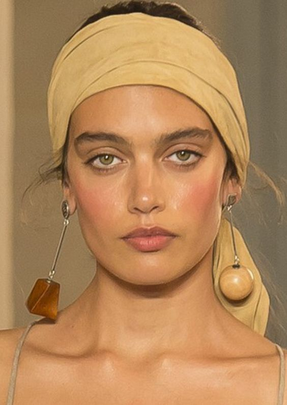 Jacquemus Earring in Round and Box Shape