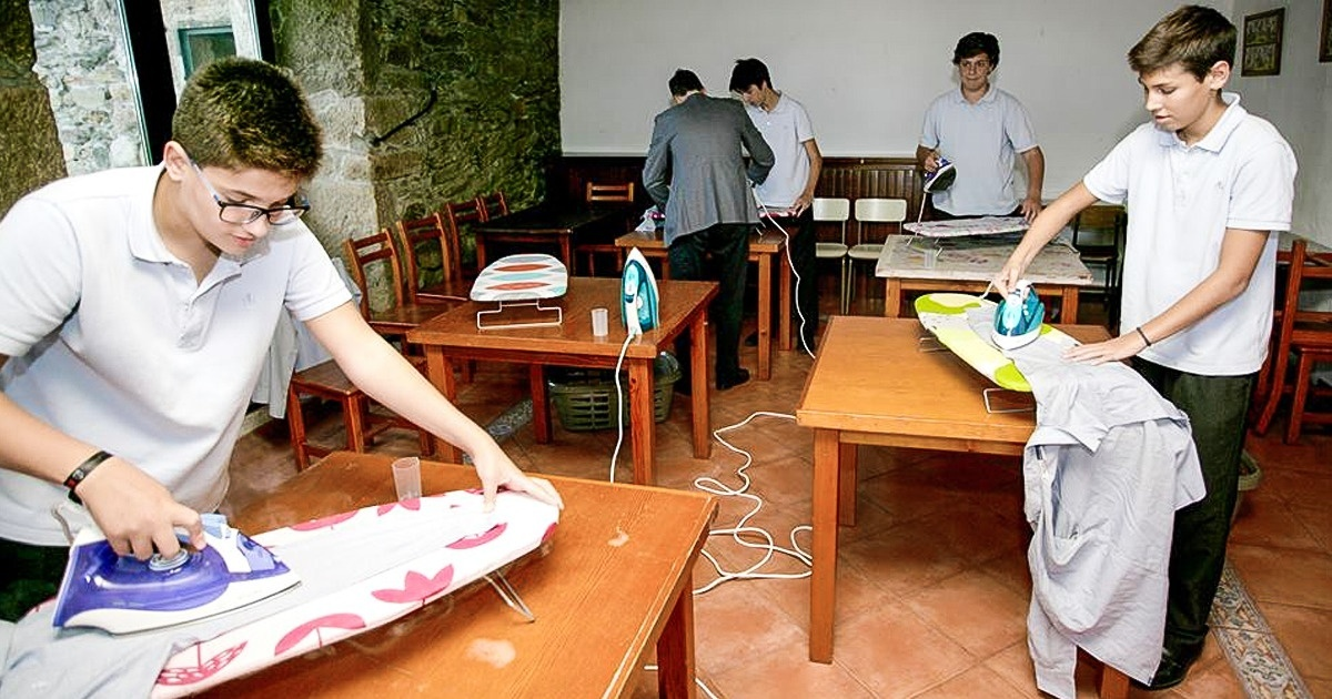 A School In Spain Teaches Household Chores To Boys In A Powerful Initiative Against Gender Inequality