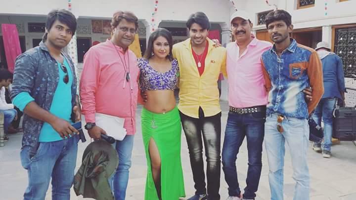 Seema Singh, Manoj Tiger, Sanjay Panday ON Set of Deewane Bhojpuri Film Shooting photo