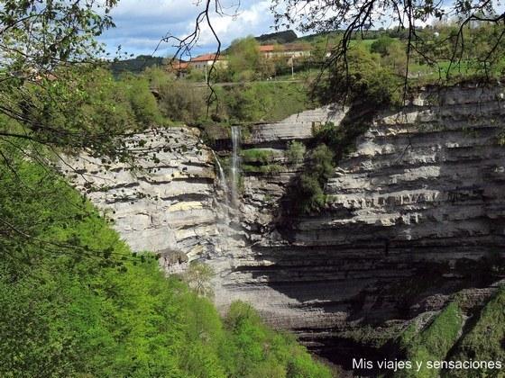 Cascada de Gujuli, Parque Natural de Gorbea, Alava