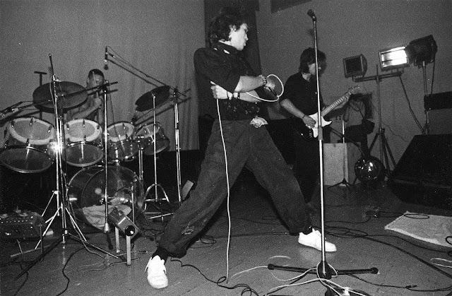 6 сентября 1986 года. Рига. Выступление Виктора Цоя в зале института (?) «Латгипрогорстрой»