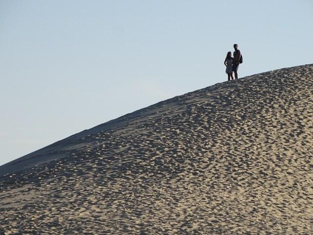 duna pilat jovenes montaña arena