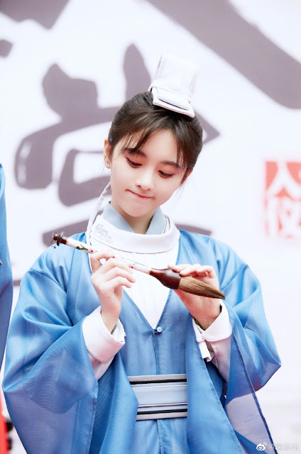 in a class of her own school romance Ju Jingyi