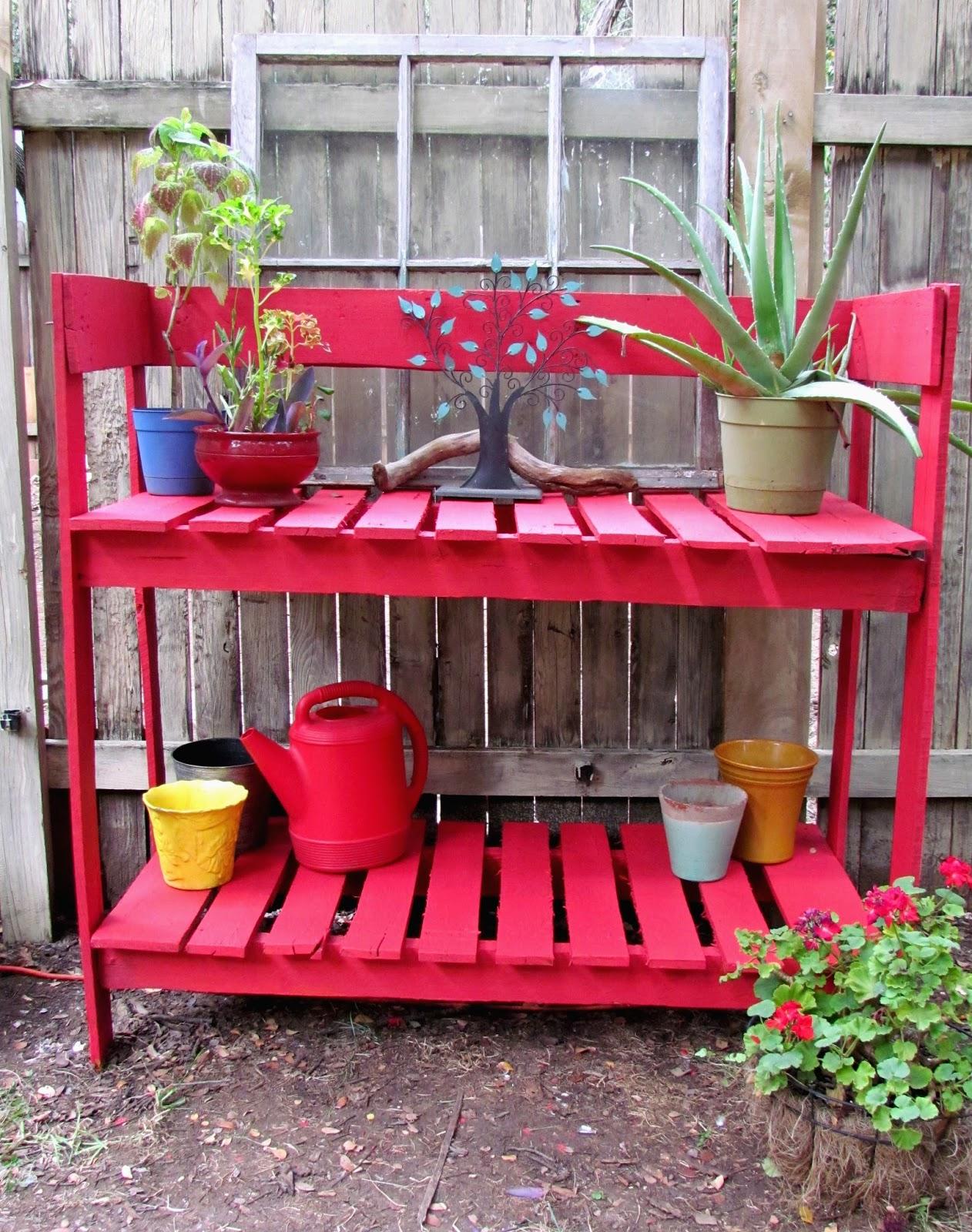 Gypsies Crafts & Treats: Pallet Potting Bench