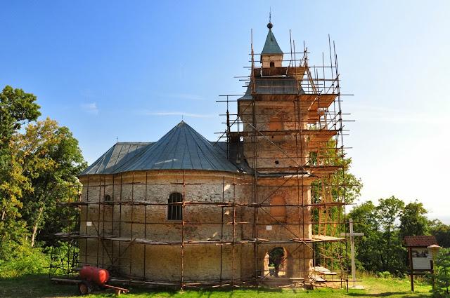 Rotunda Jurko - wczesno romański kościół koło wsi Nitrianska Blatnica
