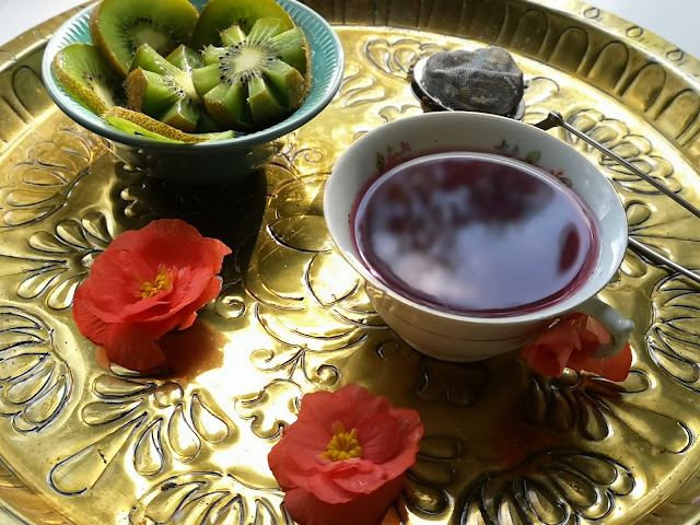 Aamiainen Herbaslim teellä