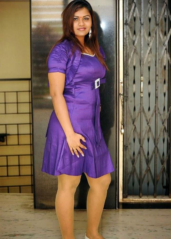 Doodhwali Bhojpuri Hot Dancer Priya Bulging Boobies Sexy Shape Side View Spicy Dress Thunder -6596
