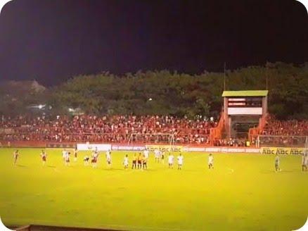 PSM Makassar Imbangi Persipura Jayapura 2-2