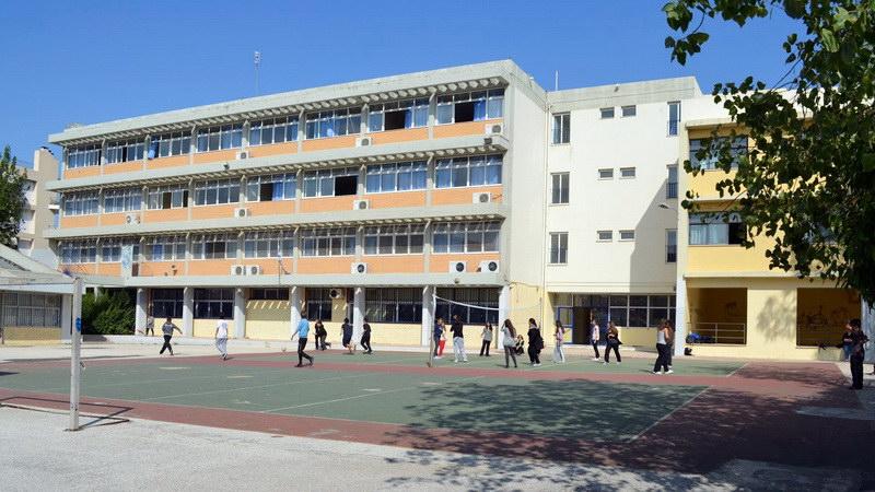 Δεν μπορεί να υπάρξει Δημόσια και Δωρεάν Παιδεία με τα Σχολεία και τον εξοπλισμό τους στα χέρια Ιδιωτών