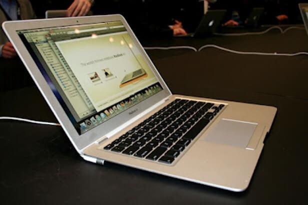 Laptop Tanpa Bateri