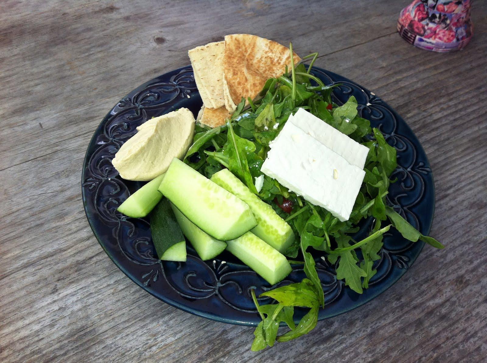 Hummus Salad Plate