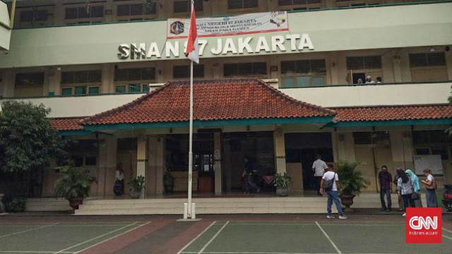 Kejanggalan Kasus Tuduhan Guru SMA 87 Doktrin Anti-Jokowi