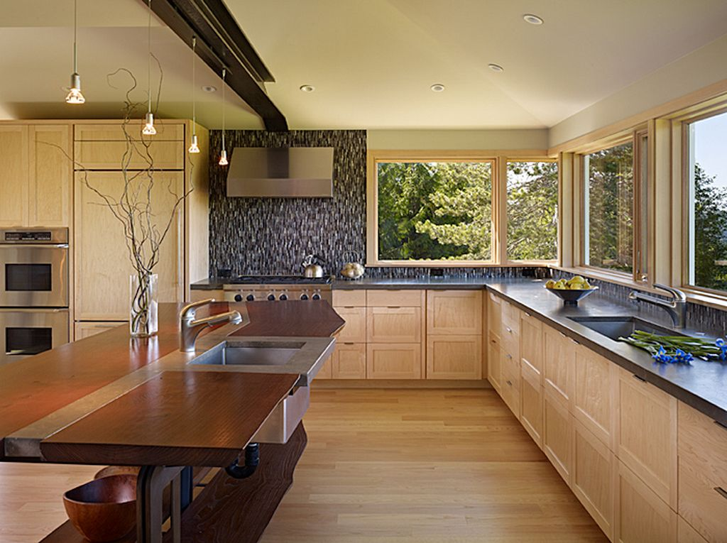 Get your own traditional kitchen in your conservatory