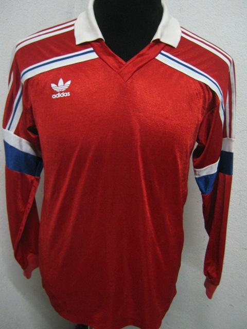 jaket adidas merah - photo #14