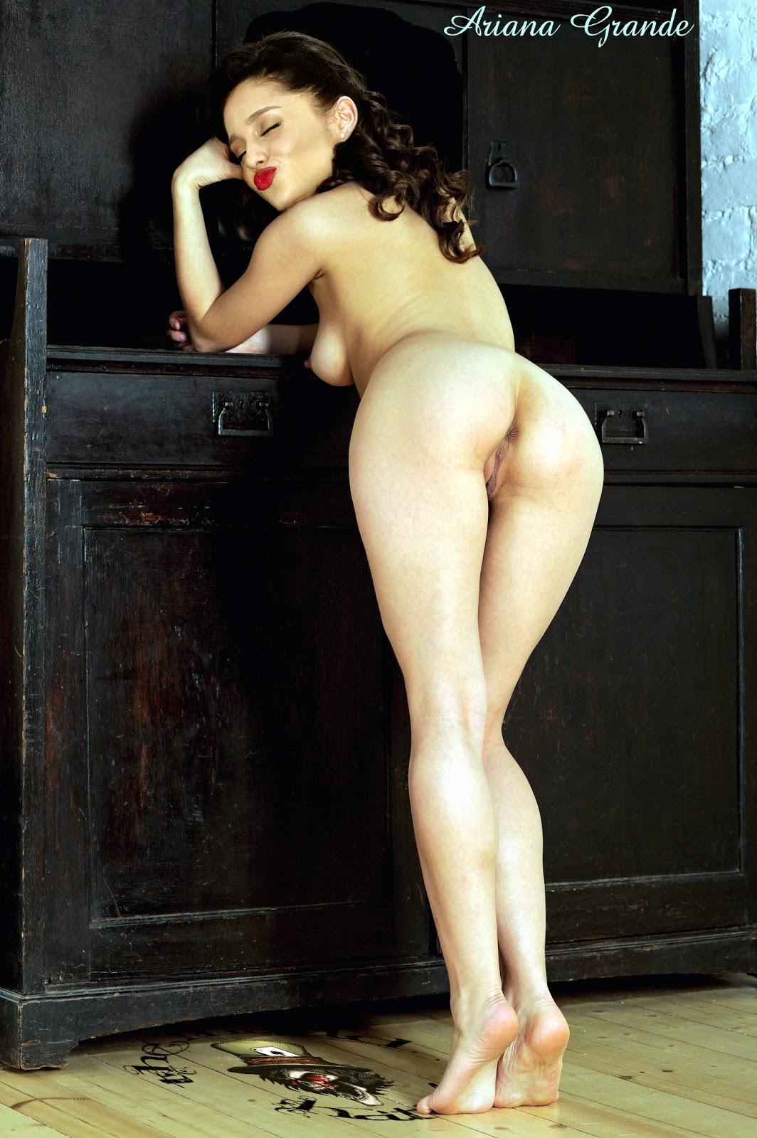 Sekirei topless
