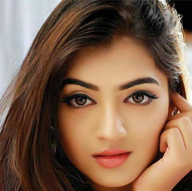 Nazriya Nazim hot
