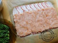 szpinak zawijany w boczku w mielonym drobiowym mięso kurczak maszynka do mięsa kultowa stara na korbę  marynata miodowo musztardowa