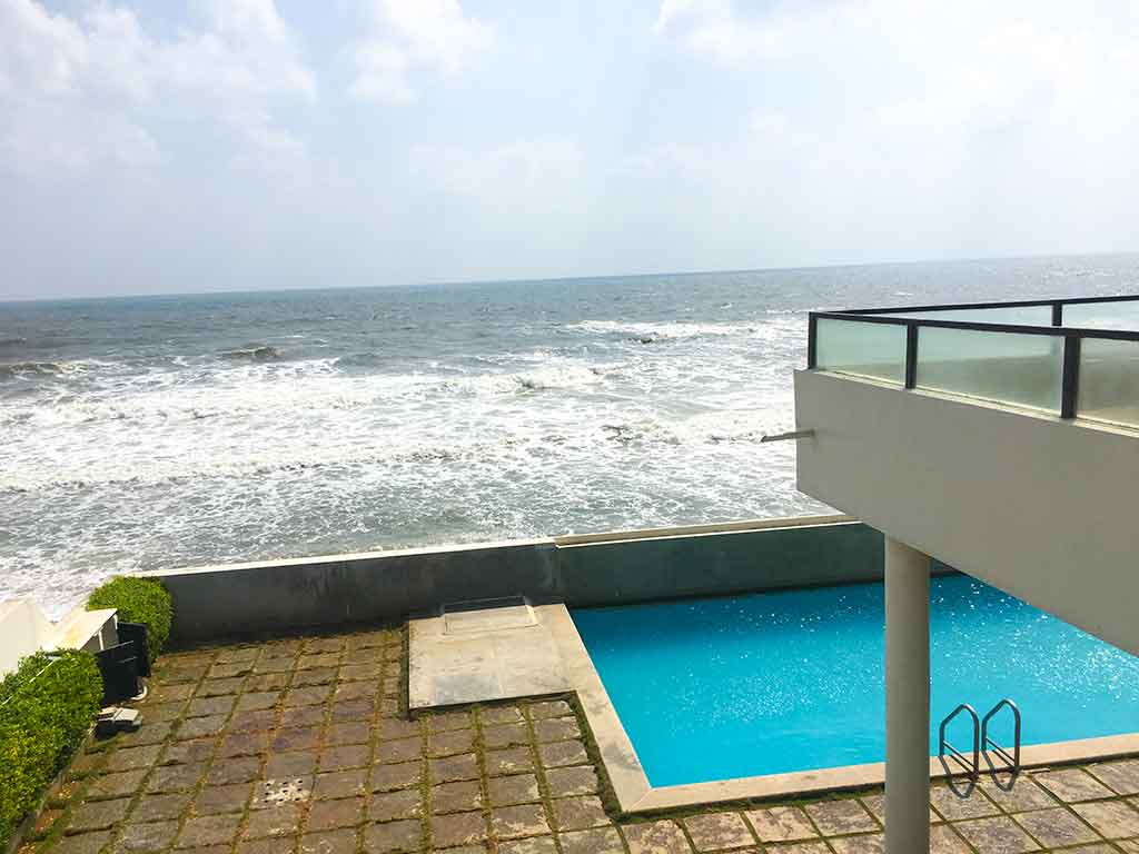 ecr infinity beach house for hire