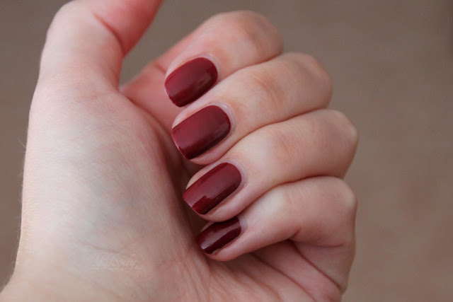 010 Nagellack von trend it up (Infinitely Beauty LE) - Swatch bei Tageslicht