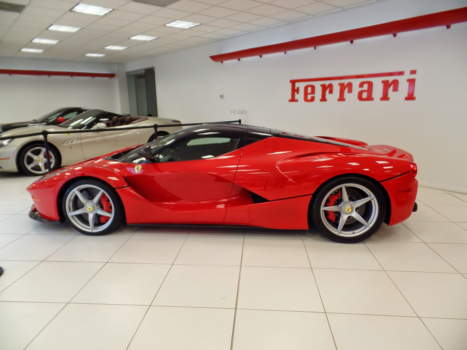 thomas 39 s car blog 2 laferrari in salt lake city utah. Black Bedroom Furniture Sets. Home Design Ideas