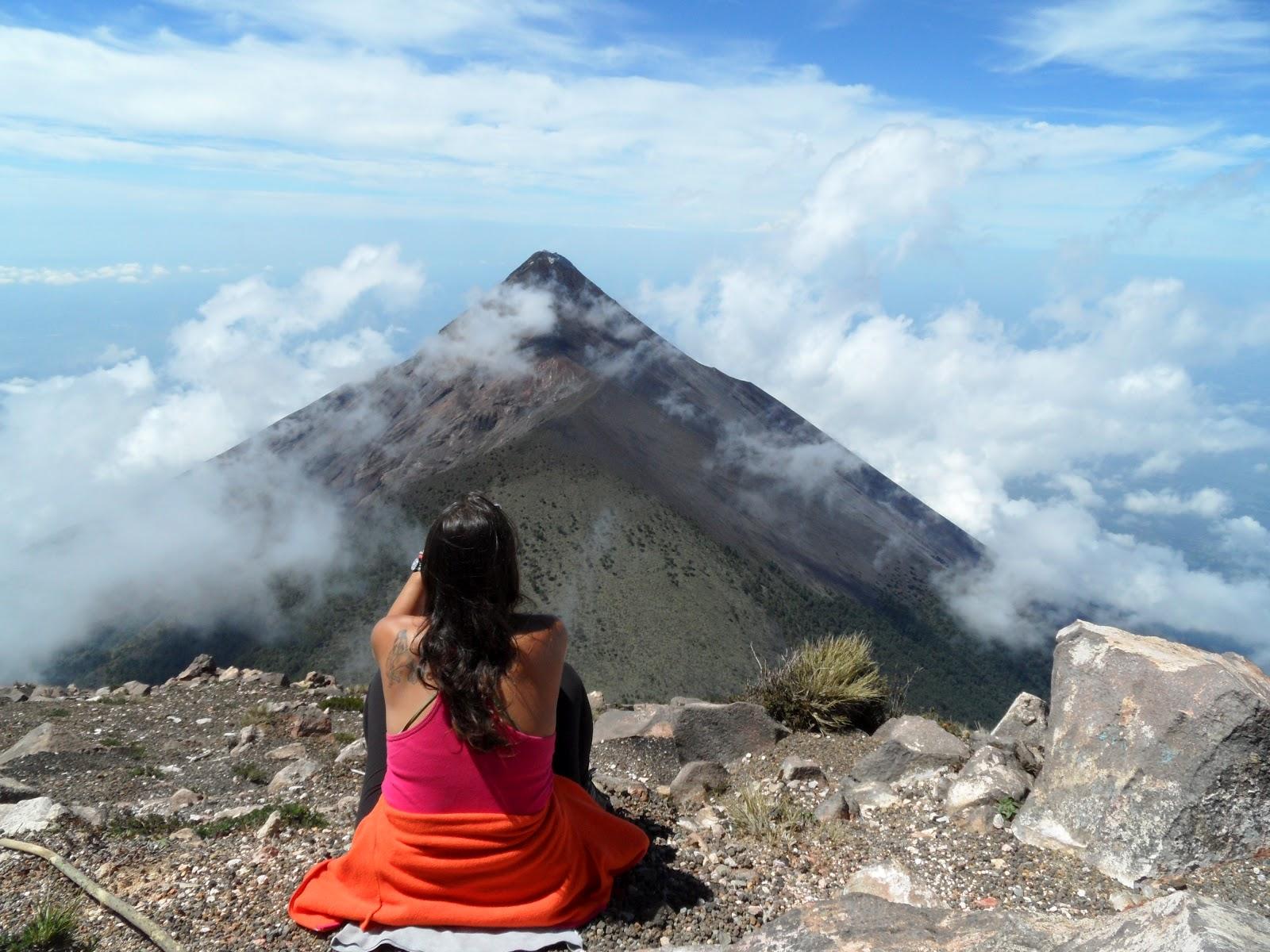 Subir o VULCÃO ACATENANGO (3975 m) e contemplar o esplendor de um país | Guatemala