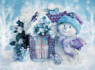 Snowman-with-cute-little-house-christmas-toy-for-children.jpg
