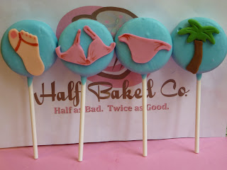 Beach Themed Cupcakes & Summertime Oreo Pops!!!