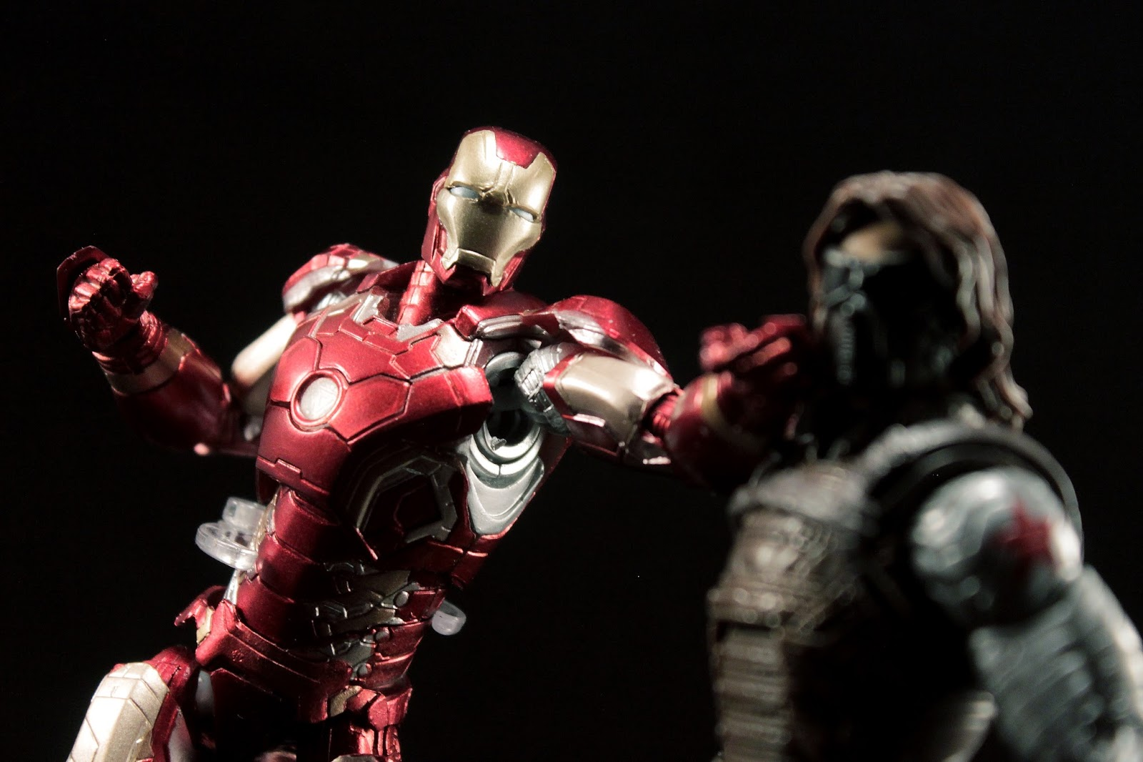 toy in a box review bootlegknockoff sh figuarts iron man mark 43 bootleg iron man 2 starring