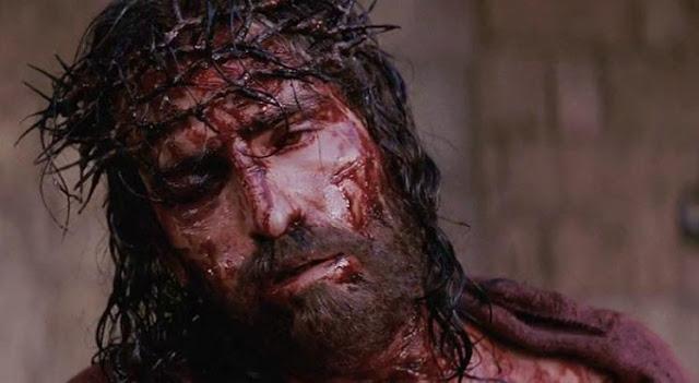 A Crucificação de Jesus Cenas FORTES do Filme 'A Paixão de Cristo' IMPRESSIONANTE, Valer apenas assistir
