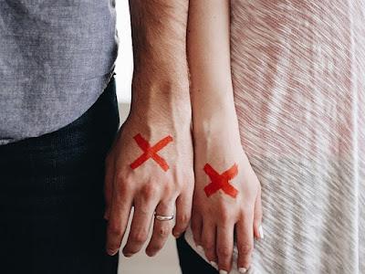 10 Cara Mengatasi Putus Cinta