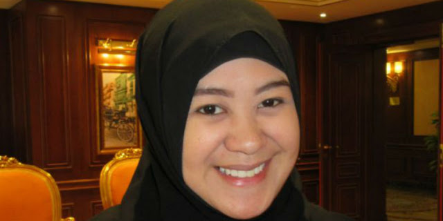 Dapat Undangan Berhaji Dari Raja Saudi, Presenter Filipina Ini Tak Dapat Menahan Haru Saat Depan Ka'bah