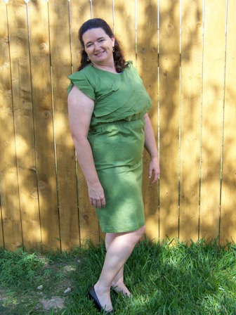 38ae13304c3 Shabby Apple sent me this beautiful dress called L Amour and I absolutely  love the vintage look of it. It s a beautiful green