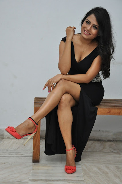 Actress Mausumi Hot Photoshoot