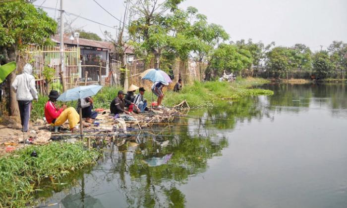 Wisata bekasi Danau Ramaias
