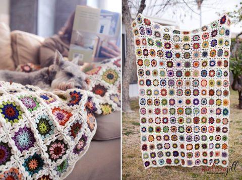 manta crochet cuadrados chicos - Coloridas mantas tejidas a crochet para decorar los ambientes