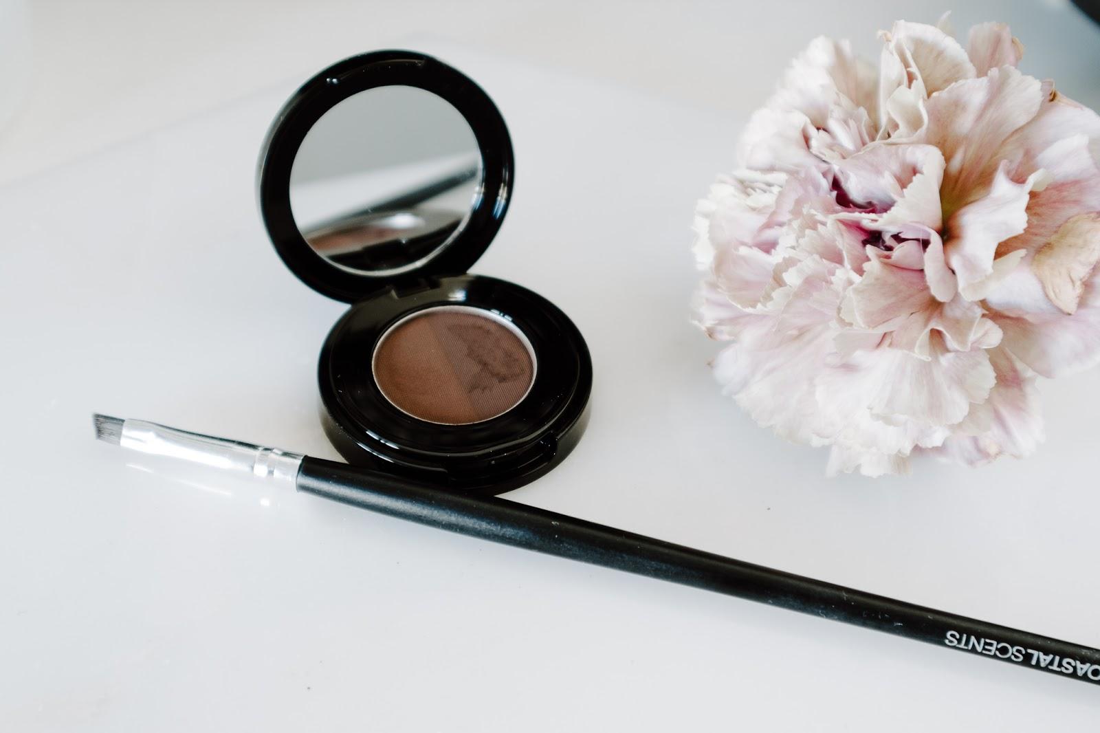kulmaväri, puuterimainen tuote, kosmetiikka, meikki,
