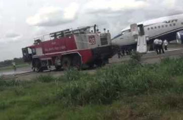 truck crashes air peace plane lagos