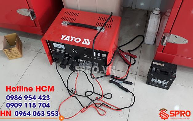 Giá máy sạc điện bình ắc quy xe máy YATO YT-8304 bao nhiêu