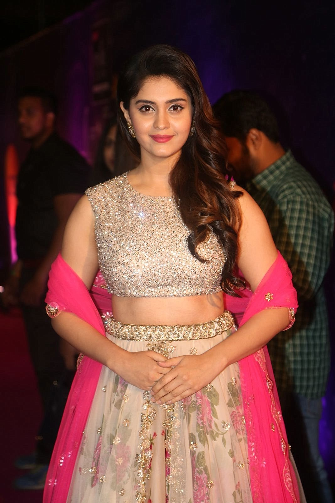 indian actress hd wallpapers: actress surabhi hot hd wallpapers and