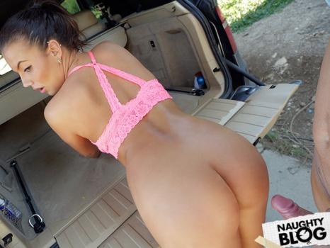 Female Fake Taxi – Vanessa Decker