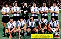 SELECCIÓN DE ARGENTINA - Temporada 1973-74 - Hugo Bargas, Wolff, Carnevali, Correa, Heredia y Telch; Balbuena, Brindisi, Ratón Ayala, Chazarreta y Guerini - ATLÉTICO DE MADRID 1 (Becerra), SELECCIÓN DE ARGENTINA 1 (Rubén Ayala) - 14/08/1973 - Partido amistoso - Madrid, estadio Vicente Calderón