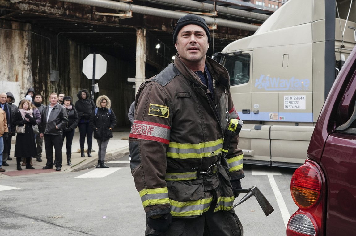Chicago Fire - Season 7 Episode 10: Inside These Walls