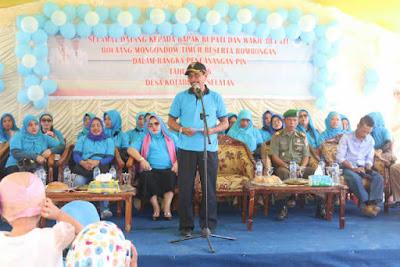 Bupati Sehan Salim Landjar tengah membuka Pencanangan PIN Tahun 2016.