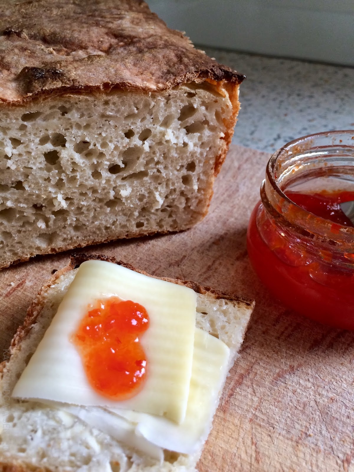 Langtidshevet eltefritt brød