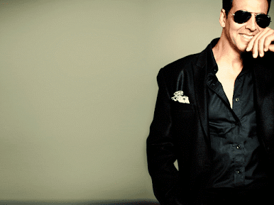 Akshay Kumar Gorgeous In Black Clothes Picture