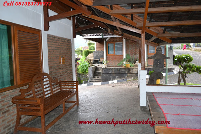 Booking villa di area wisata kawah putih dari magetan