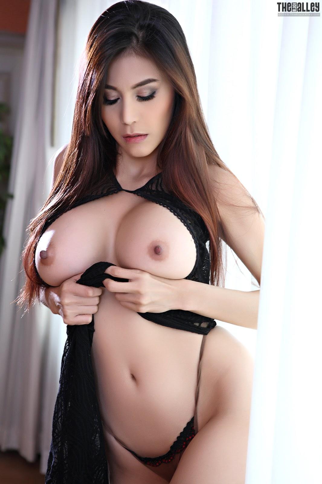 Natalie Dormer Nude Hot Sex Outdoor
