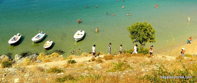 Praia de Mégalos Gialós, na Vila de Lindos, llha de Rodes, Grécia