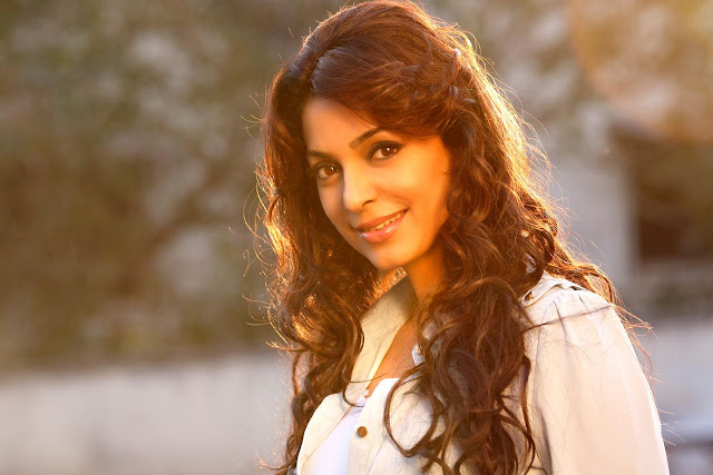 Juhi Chawla husband, age, movies, kids, family, biography, sister, date of birth, marriage, house, children, daughter, actress, wedding, jay mehta, son, first movie, upcoming movies, sister, film, husband death