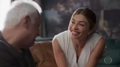 Alberto e Paloma em cena da novela Bom Sucesso (Foto: Reprodução)